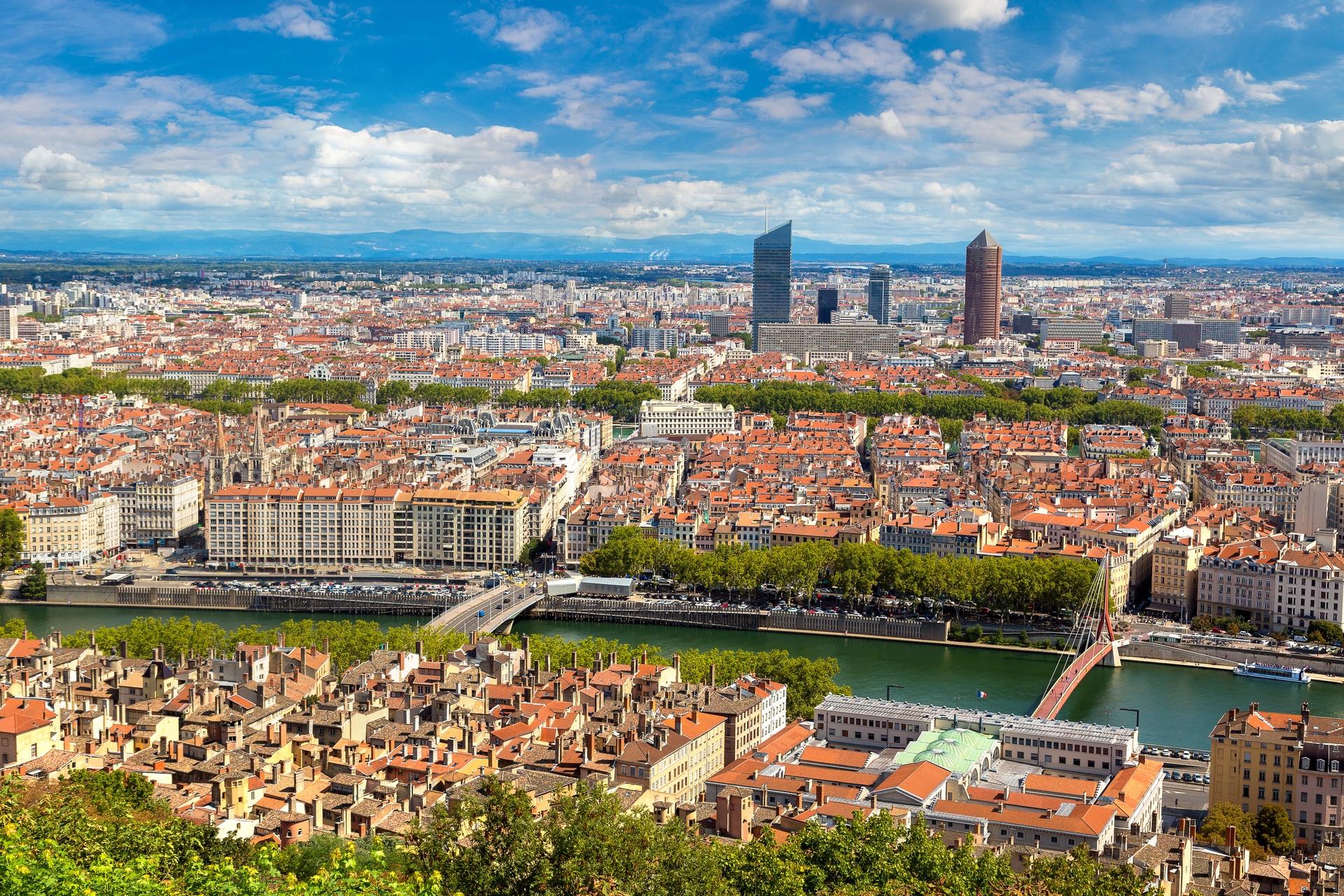 Lyon une valeur s re en mati re d 39 investissement for Piscine de cusset lyon