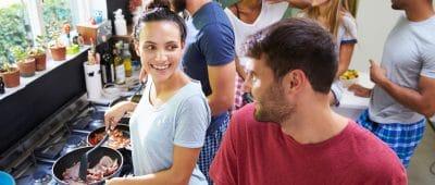 colocation-mode-de-vie-villes-plusieurs-etudiants-salaries-professionnels