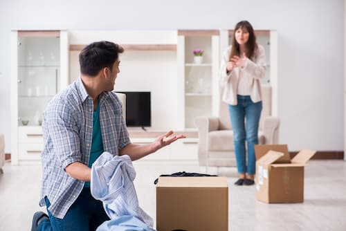 conjoint-mettre-à-la-porte-domicile