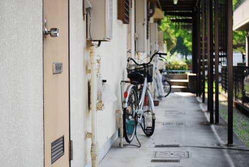 Il n'est pas possible de laisser son vélo dans les parties communes.